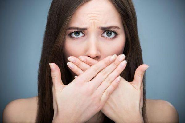 ¿Sabías que algunos medicamentos pueden manchar los dientes?